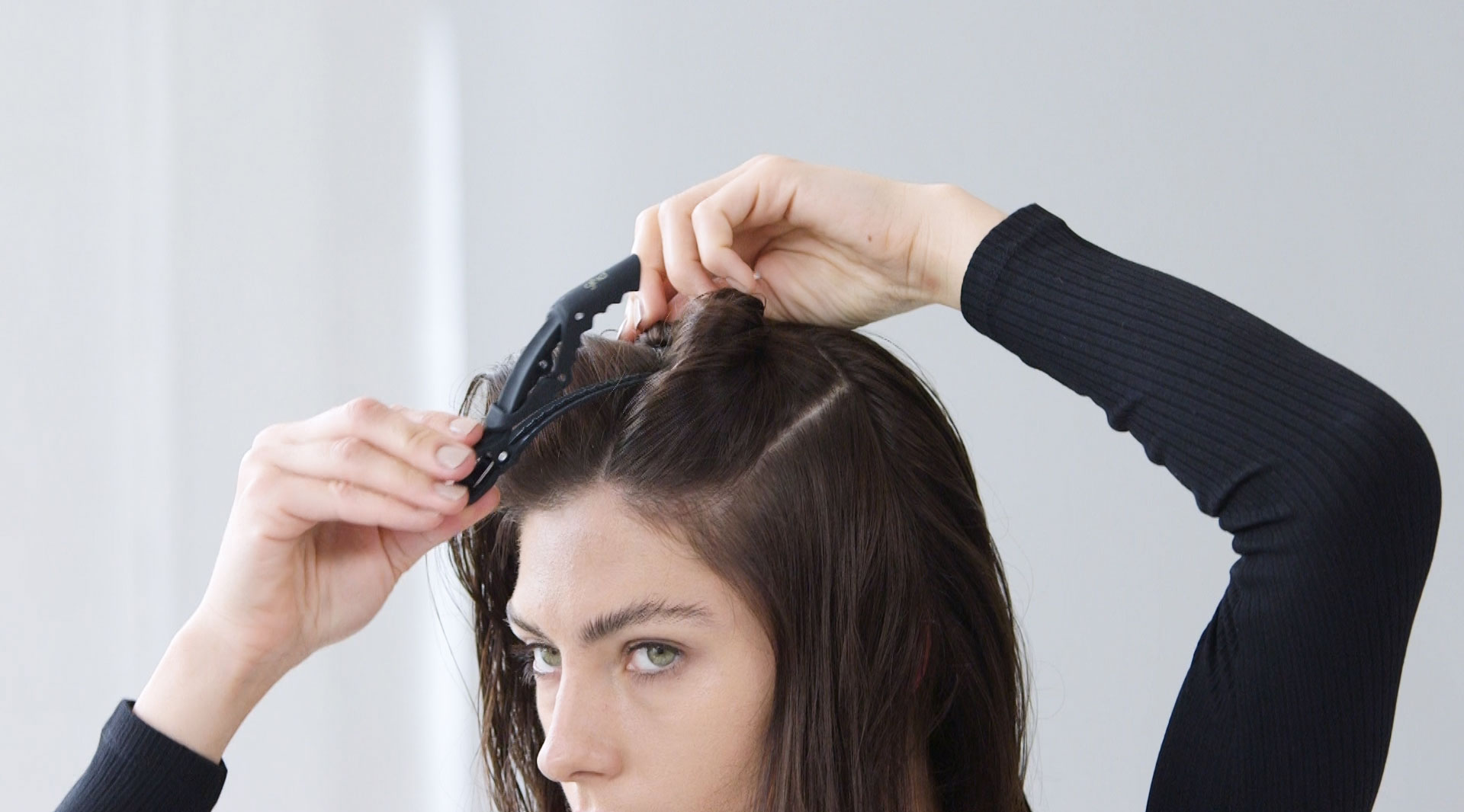Comment faire des boucles avec un sèche-cheveux?